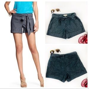 Banana Republic Shorts Size 4 Chambray Tie waist